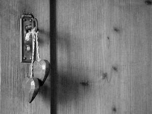 cerrando puertas[1]